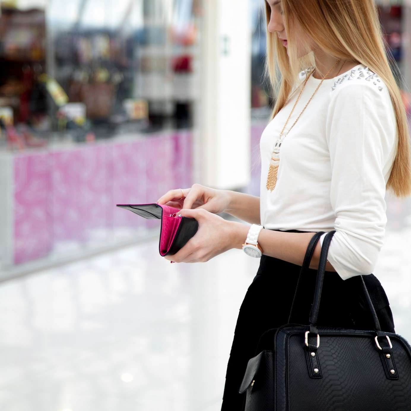 Girl with Wallet 1 4