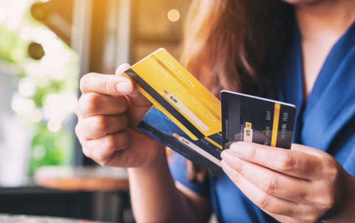 Should I Pay Off My Credit Card Early?